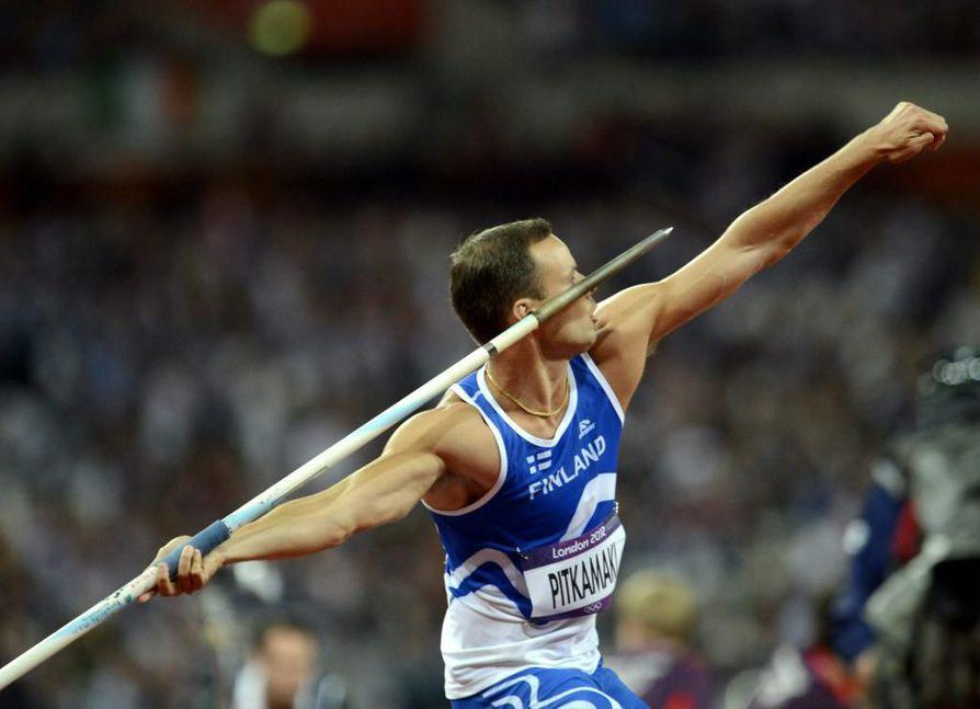 Tero Pitkämäki heitti olympialaisten karsintakisassa lupaavasti.