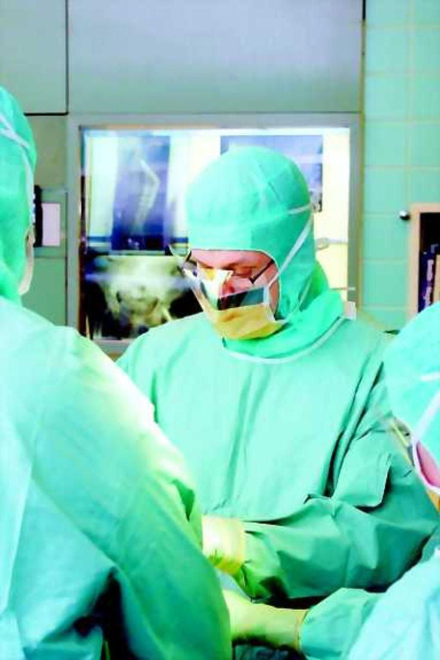 Lisää leikkauksia. Ortopedi Juha Haataja Oysin ortopedian osastolta haluaisi tehdä enemmän tekonivelleikkauksia.