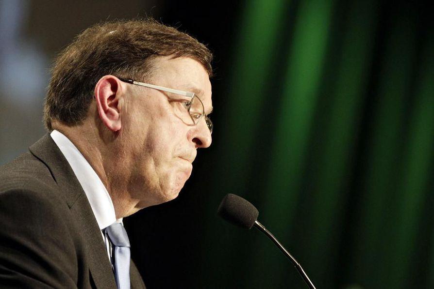 Paavo Väyrynen kiittää Ahtisaarta kommentista ja kertoo sen vauhdittavan Väyrysen oman puolueen Kansalaispuolueen perustamista.