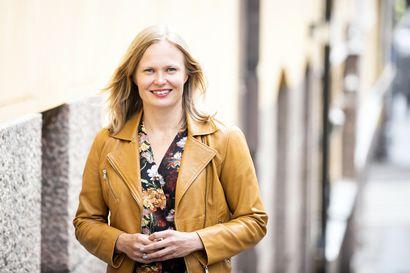 """Hanna Kosonen luovuttaa salkkunsa Saarikolle ensi viikolla: """"Häirintätapaukset menivät ihon alle ministerikaudella"""""""