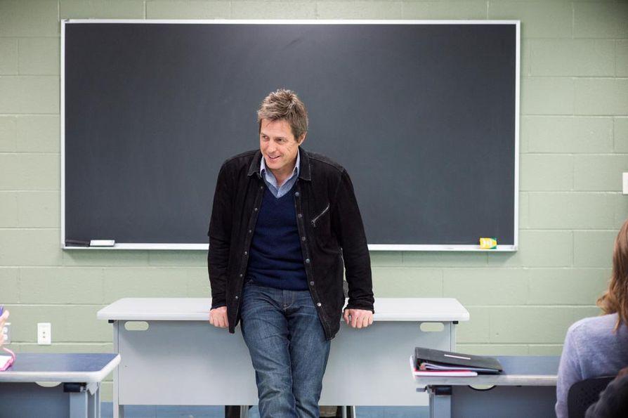 Romanttinen komedia The Rewrite kertoo entisestä Hollywood-käsikirjoittajasta (Hugh Grant), joka joutuu inhoamiinsa opetustöihin pikkukaupungin yliopistossa. Kurssille osuu kuitenkin viehättävä yksinhuoltajaäiti.