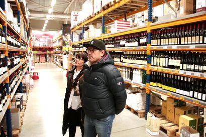 """Alkoholikauppiaan mukaan suomalaisasiakkaat ovat palaamassa taas Tallinnaan – """"Ei maksa vaivaa ajaa Latvian puolelle"""""""
