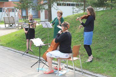 Arvio: Oulu Sinfonian nettikonsertit tuovat tervetullutta vaihtelua poikkeusoloihin ja muistuttavat elävän musiikin olemassaolosta