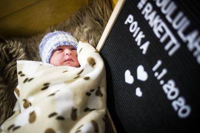 Tässä on Lapin keskussairaalan vuosikymmenen ensimmäinen vauva –uusi vuosi alkoi yhtä vauvavilkkaasti kuin edellinen päättyi