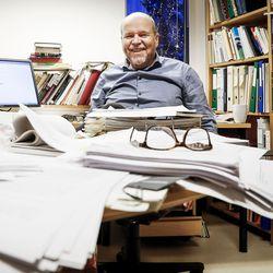 """Oikeustieteen tohtori jätti saamelaiskäräjälaista eriävän mielipiteen: """"Kiista on poliittinen, vaikka sen pitäisi olla juridinen"""""""