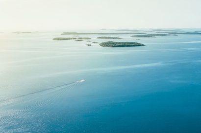 Selviytyjät Pohjola vie Perämeren maisemiin – Torniolaiskapteeni pääsi merikuljetuksissa mukaan ainutlaatuiseen kokemukseen