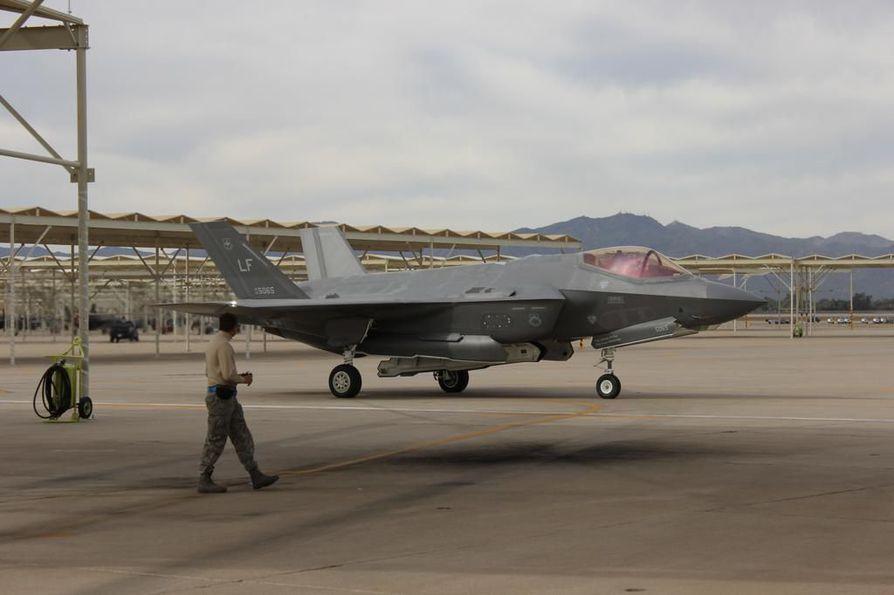 Amerikkalainen Lockheed Martinin F-35-hävittäjä ei kelvannut Saksalle, joka suosii eurooppalaista ratkaisua tai amerikkalaista Boeingin Super Hornetia.