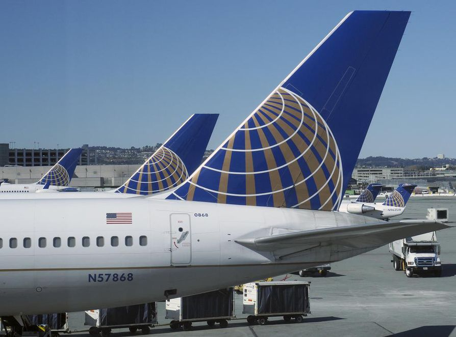epa06561595 (FILE) - United passenger jets at terminal 3 at the San Francisco International Airport in San Francisco, California, USA, 15 February 2018 (issued 24 February 2018).  United and Delta airlines are joining a list of companies that have cut ties with the National Rifle Association (NRA), part of a boycott movement following the 14 February mass shooting at Marjory Stoneman Douglas High School in Parkland, Florida.  EPA/JOHN G. MABANGLO  BY: ALL OVER PRESS / EPA-PHOTO CODE: EPAXX8