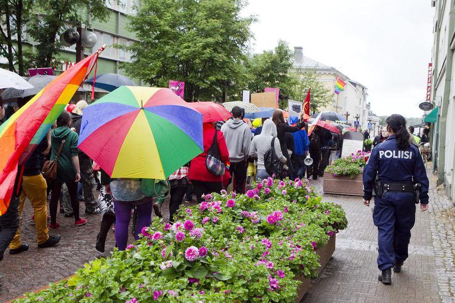 Pride-tapahtumat ovat pitäneet esillä seksuaalivähemmistöjen oikeuksia.
