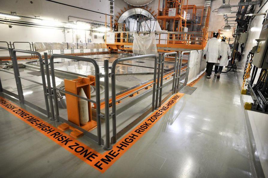 Olkiluoto 3:n valmistuminen siirtyy loppusuoralla edelleen. Laitoksen reaktorihalli näytti tältä syyskuussa.