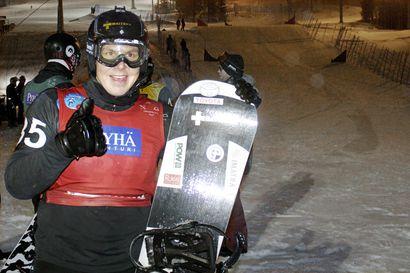 Suur-Hamari voittoon banked slalomin kauden avauksessa