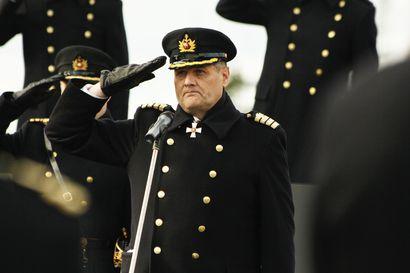 Lippueamiraali Timo Hirvonen saa syytteet neljästä tuottamuksellisesta palvelusrikoksesta