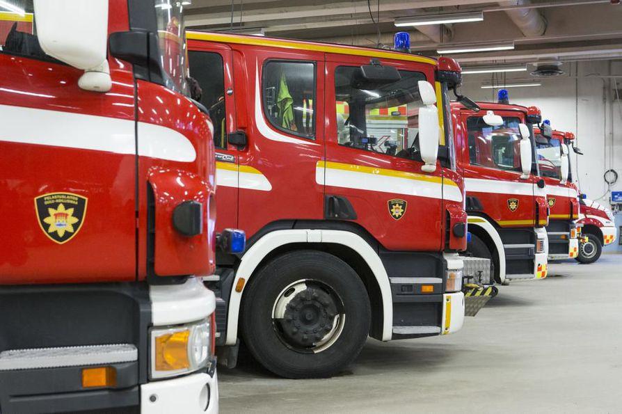 Paloasunnon asukas vietiin sairaalaan jatkotutkimuksiin.