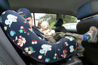 Miten lapsi autossa vaikuttaa kolaririskiin?