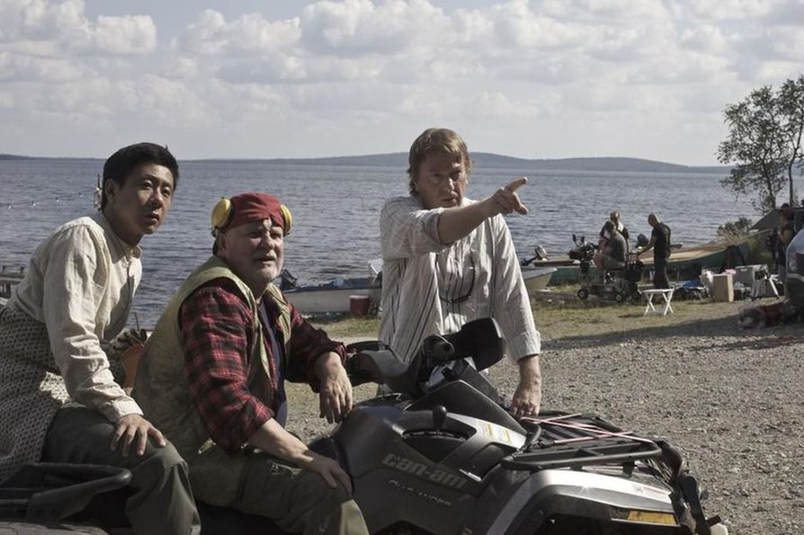 Chu Pak Hong, Kari Väänänen ja ohjaaja Mika Kaurismäki.