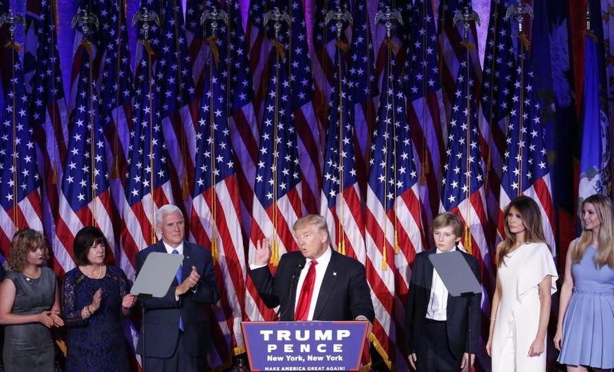 Yhdysvaltain seuraava presidentti Donald Trump puhui New Yorkissa vaali-iltana.
