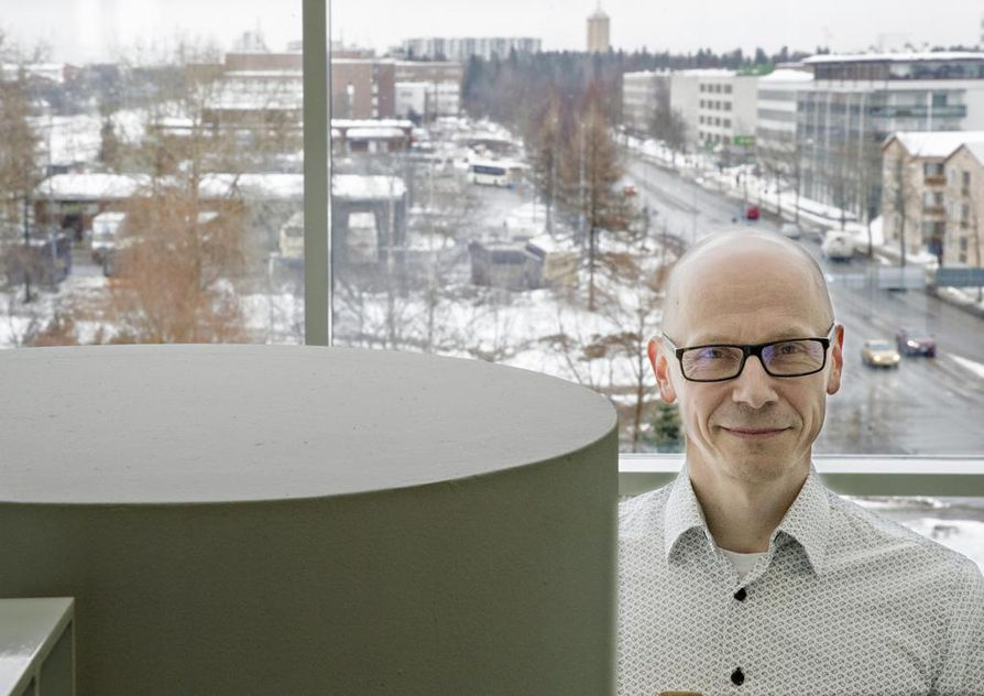 Asemakaavapäällikkö Kari Nykänen sanoo, että rakennusten korkeus pitää olla sellainen, että se sopii vallitsevaan korttelirakenteeseen.