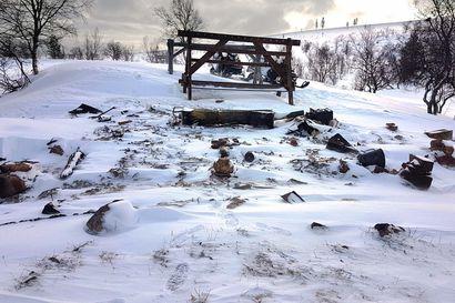Metsähallitus kysyy käyttäjien toiveita: Mitä rakennetaan Urho Kekkosen kansallispuistoon palaneen Rautulammen tuvan tilalle?