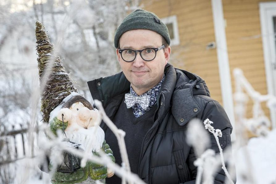 Oululaiskirjailija Antti Leikaksen tontturomaanin julkaisua juhlitaan perjantaina Konst o. Delissä.