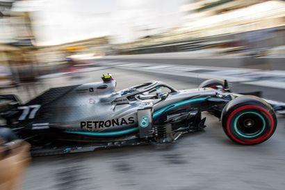 Valtteri Bottas piti kovinta kyytiä ja kolaroi Abu Dhabissa - Vettel kiroili suomeksi