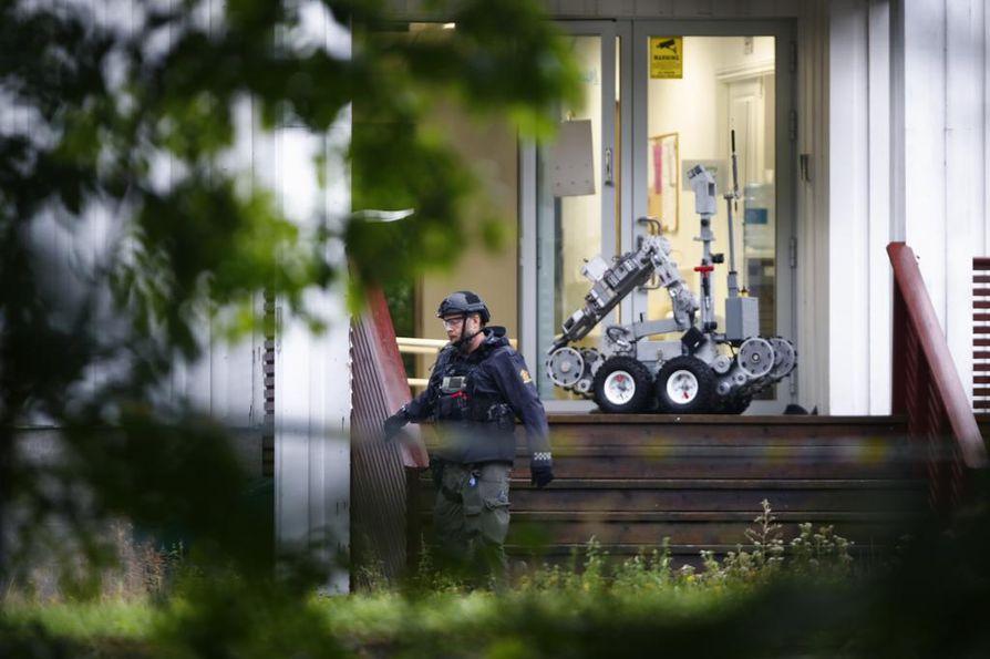 Poliisi toi moskeija-ampumisen tapahtumapaikalle myös robotin