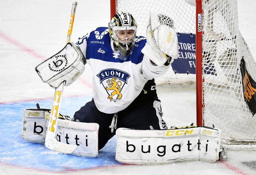 Kärppien Veini Vehviläinen nappasi nollapelin ensimmäisessä A-maaottelussaan.