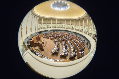 Näkökulma: Kansanedustajat tuomitsevat kiusaamisen, mutta osa heistä kiusaa itsekin – tviitit voivat mennä henkilökohtaisuuksiin