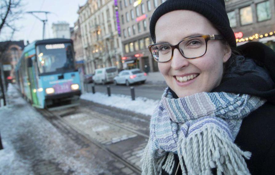 Kyllä Oulua kelpaa kehua, vakuutti oululaislähtöinen Jenny Vaara, joka edusti Suomen ylioppilaskuntien liittoa. Hänen kokemuksensa mukaan Oulussa on paljon kulttuuritarjontaa, mutta esimerkiksi opiskelijoilla ei jostain syystä ole siitä tietoa niin hyvin kuin voisi.