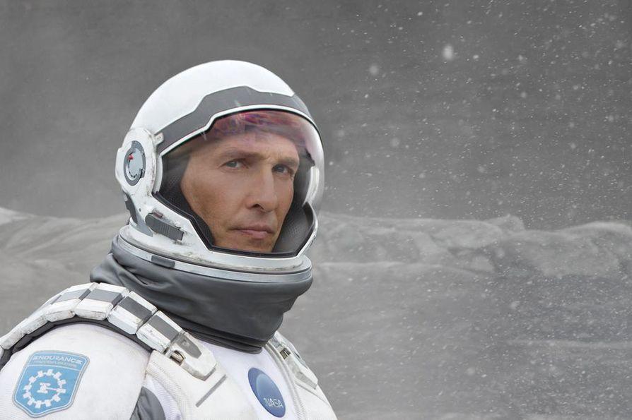 Matthew McConaughey on entinen astronautti ekokatastrofin jäytämällä maapallolla.