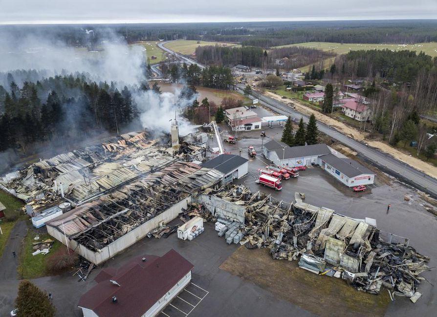 Kylmäsen tuotantolaitoksen suurpalo viime marraskuussa on Jokilaaksojen pelastuslaitoksen historian suurin tulipalo.