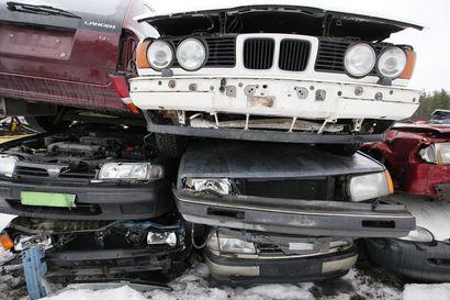 Romutuspalkkio tekemässä comebackin: palkkion voi saada vanhan auton romuttamiseen tai sähköpyörän hankintaan