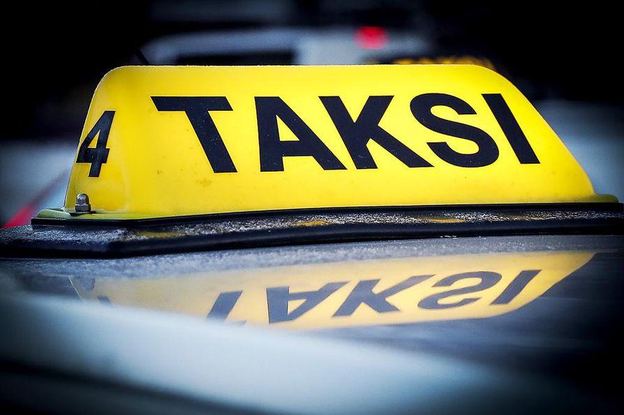 Kovanen suunnittelee lisäävänsä tuntuvasti taksiensa määrää Oulussa.