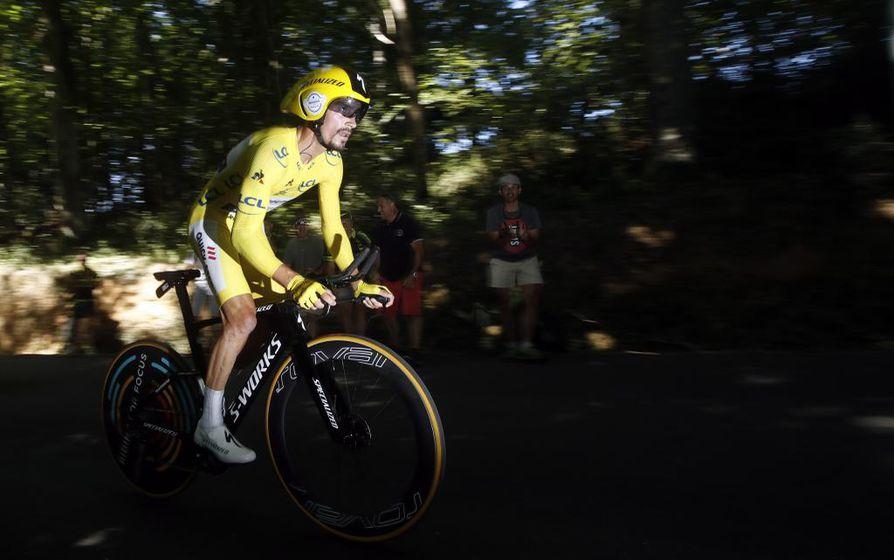 Julian Alaphilippe lisäsi 13. etapin voitollaan etumatkaansa Ranskan ympäriajon kokonaiskisan kärjessä.