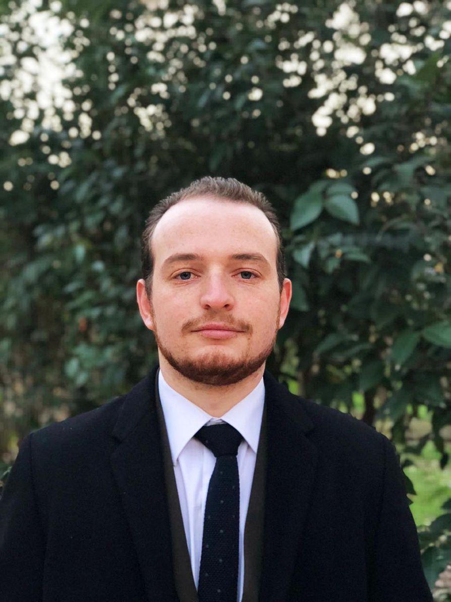 Albanian pääkaupungissa Tiranassa lakialalla työskentelevä Ili Gerdupi valmistui juristiksi Suomessa.