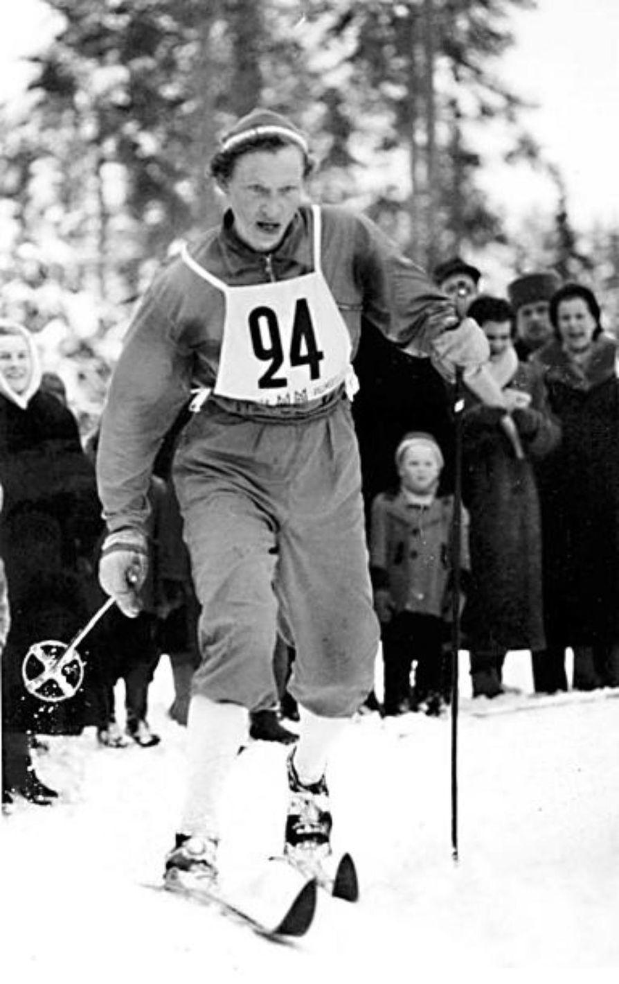 Siiri Rantanen oli ladulla taistelija, joka varmisti Suomelle Cortinan kisoissa 1956 viestijoukkueen ankkurina yllätyskullan. Kuva vuoden 1958 Lahden MM-kisoista.
