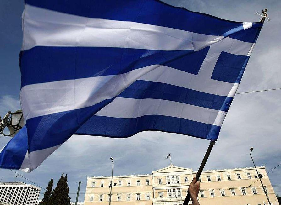 Kreikan parlamentti hyväksyi tukipaketin ehdot perjantaina aamupäivällä.