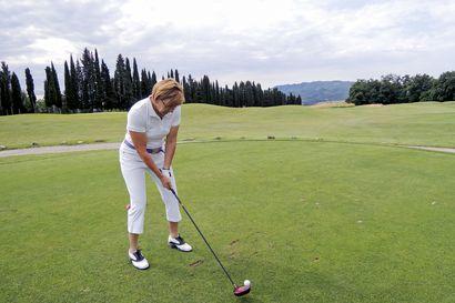 Viheriöt kutsuvat Helenaa kesäisin –Lumijokinen Helena Ala-Kojola hurahti golfiin 13 vuotta sitten, vaikkei sitä ennen voinut edes kuvitella lähtevänsä pelaamaan
