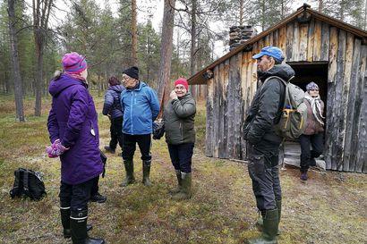Luttojoen Oskarinkoskella rakennettiin uutta elämää tyhjästä –kolttakentät kertovat Petsamosta evakkoon joutuneiden historiasta