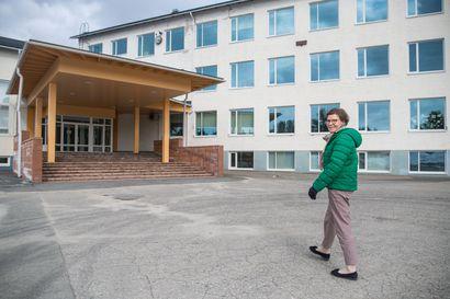 Koulut ovat jälleen uuden edessä - Kuusamossa vain pieni osa oppilaista jää kotiin