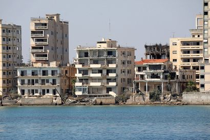 Turkin tukema Pohjois-Kypros aikoo avata rajalinjojen väliin jääneen rannan – Kypros tuomitsee ja hakee tukea YK:lta
