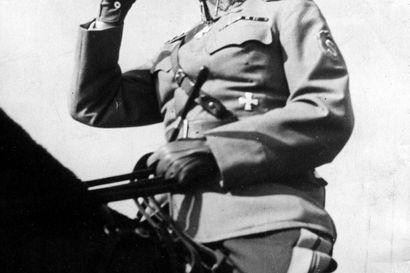 Lukijalta: Mannerheim-tehtävä Lenin-puistossa