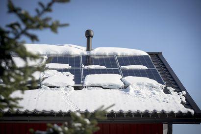 Lukijalta: Iäkkäälle isälleni myytiin aurinkopaneelit, joita hän ei tarvitse