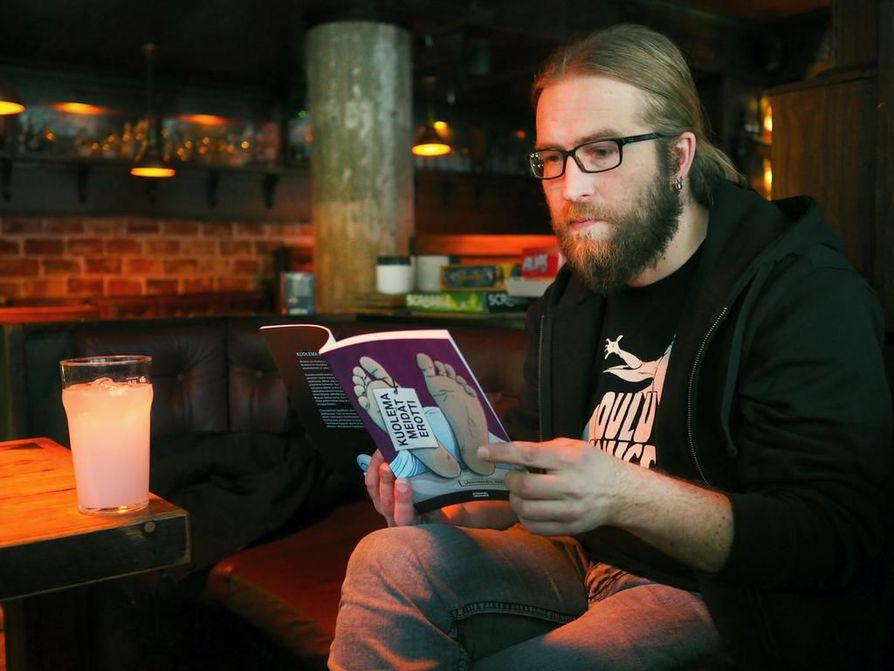 Sarjakuvantekijä Harri Filpan sarjakuvakirja Kuolema meidät erotti on yksi Botnia-ehdokkaista. Arkistokuva.