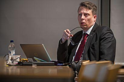 Hybridikokoukset, joissa osa etäilee, eivät ole Raahen hallintosäännön mukaisia
