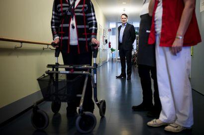 Valvira: Vanhustenhoidon ongelmayksiköitä yhä liikaa – kuntien rahapula heikentää oloja entisestään
