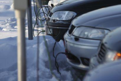 Auton lämmitysroikat kaiveltiin taas käyttöön, kuinka kauan autoa kannattaa pitää roikan nokassa?
