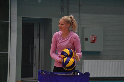 Tutkimusmatkat Kuusamossa vasta edessä – Ella Autere ehti ensimmäisenä uutena pelaajana Pölkky Kuusamon vahvuuteen, ainakin osaa ulkomaalaispelaajista on vielä odoteltava useampi viikko