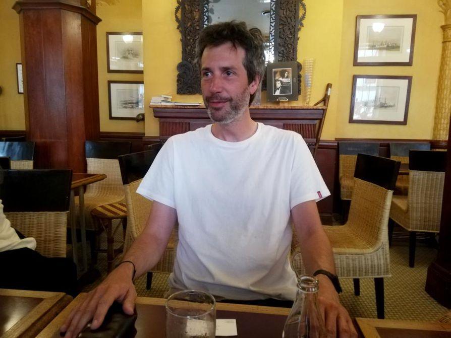 Antonin Baudry, 44, on entinen ranskaĺaisdiplomaatti, joka käsikirjoitti ja ohjasi Hollywood-budjetin elokuvan. Suomella on elokuvassa keskeinen rooli.