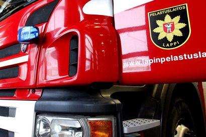 Moottorikelkkailija törmäsi puuhun Rovaniemellä – vietiin helikopterilla jatkohoitoon