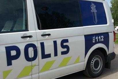 Vesivahinkotarkastajana esiintyneet anastivat Pyhännällä omaisuutta –poliisi kaipaa havaintoja viime yöltä